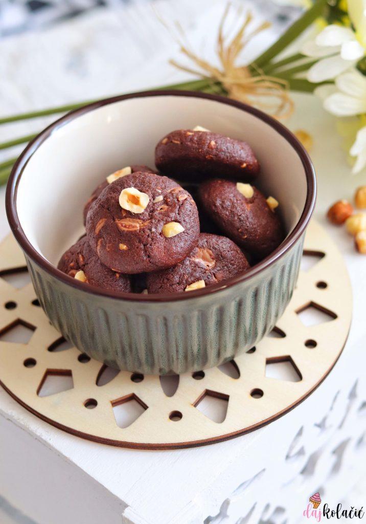 Mekani keksi od lješnjaka i čokolade