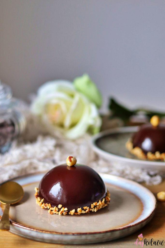 Tortice od tamne čokolade i lješnjaka