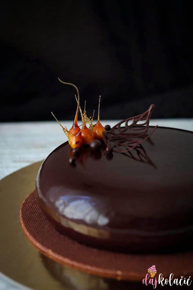 Mousse torta od tamne čokolade i praliné paste